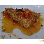 Feta pistacchi sesamo e salsa allo zafferano Krokos Kozanis