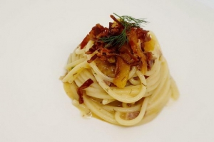 Chitarra Semola Cappelli con pomodoro verde, finocchietto selvatico e lonza Paolo Paciaroni Borgo Lanciano
