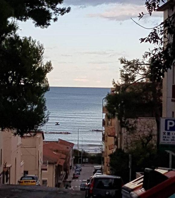 Falconara Marittima strada che scende al mare